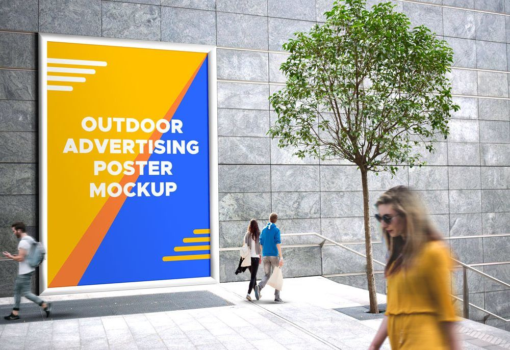 Giant Outdoor Billboard – Freebie PSD Mockup