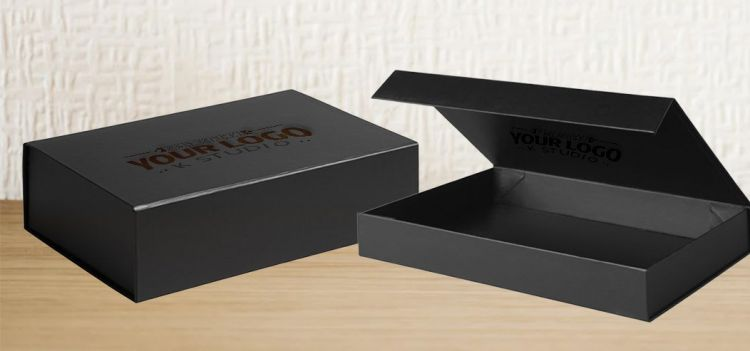 Box Packaging Free Mockup (PSD)