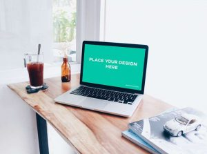 Free Laptop Mockup (PSD)