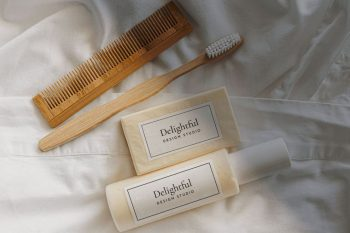Shampoo & Soap Free Mockup (PSD)